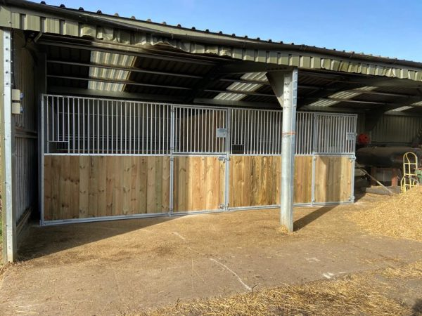 Internal stables in a field shelter