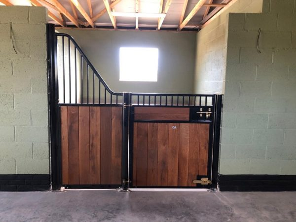 Prestige Fontainebleau stable front