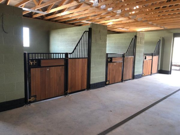 Prestige Fontainebleau horse stable fronts
