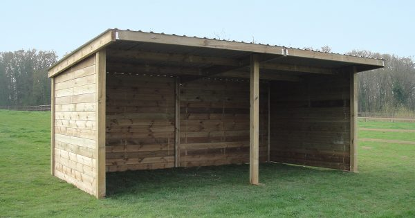 Timber Stable field shelter on grass