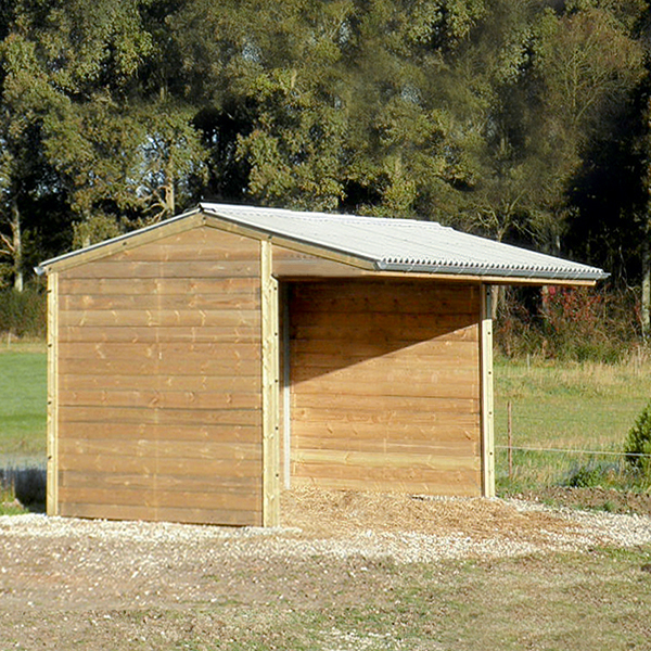Horse field shelter in timber